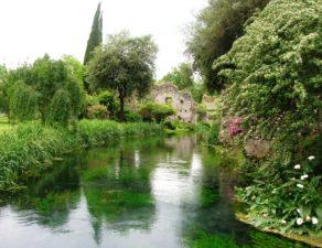 Poli giardini giardiniere